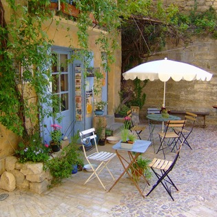Sidewalk cafe, Uzès, France