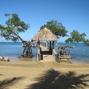 Tranquilseas Eco Lodge & Dive Center, Sandy Bay, Honduras