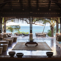 Small anantara spa entrance with lounge and view